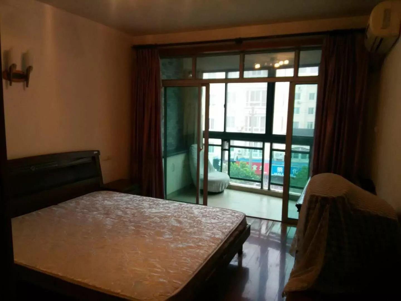 新城 大树花园三期 3室 2厅 120平米 整租