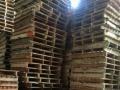 出售各种尺寸的木托盘