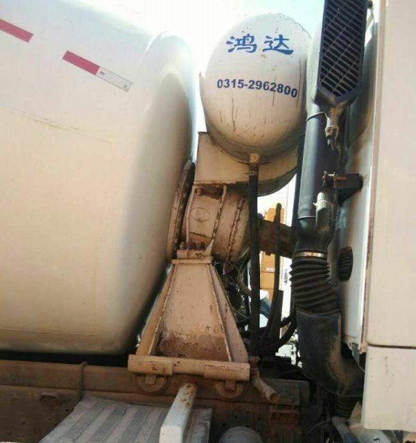 转让 亚特重工水泥罐车11年豪沃大12搅拌罐出售