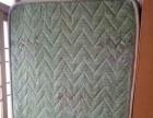 出售单人弹簧床垫