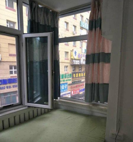 房东本人 桂林路恒客隆旁精装电脑公寓 月交季交福利 包水电网