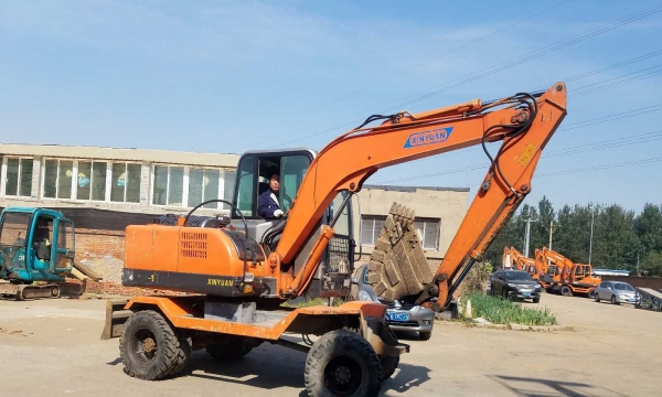 转让 挖掘机新源极品新源65轮式挖掘机
