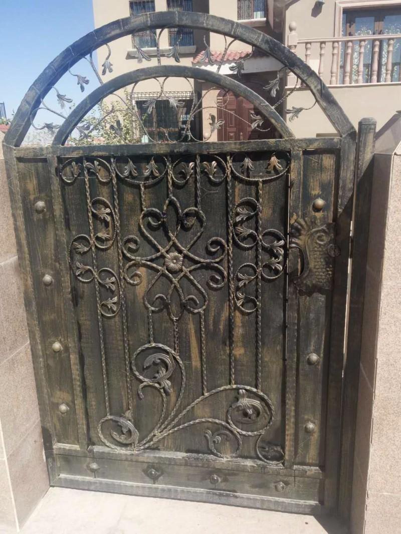 乌鲁木齐铁艺围栏 铁艺大门 铁艺护栏