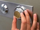 成都高新区二十四小时专业开锁换锁芯开汽车锁保险柜销售指纹锁
