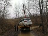 丰都24小时汽车道路拖车搭电换胎送油困境救援