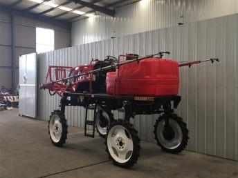 湖北打药施肥机多少钱 农用自走式打药车