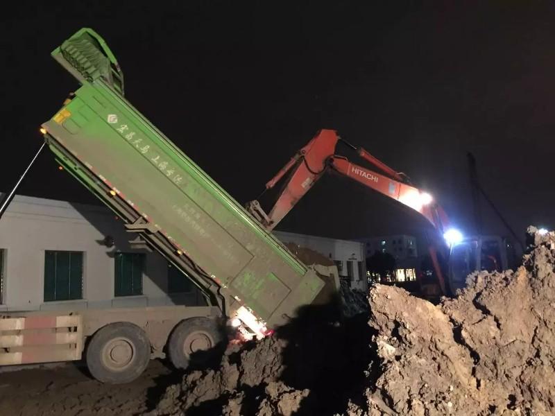 上海虹口/闸北/徐汇区日立挖掘机低价出租1小时进场