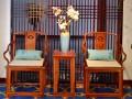 一套缅甸花梨的南官帽椅大约多钱