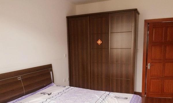 龙山辽河人家 2室2厅 90平米 简单装修 押一付三
