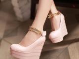 一件代发春款时尚潮流性感女鞋金属装饰坡跟鞋子浅口魔术贴单鞋