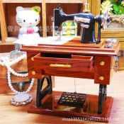 批发经典 仿真缝纫机八音盒 创意手摇音乐盒 首饰盒 化妆盒八音盒