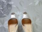 处理银色水晶鞋