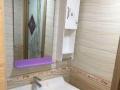 金城江金砖商都 4室2厅160平米 中等装修 押二付三