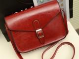 厂家批发新款韩版单肩斜跨女包 英伦复古小包邮差包酒红色包包潮