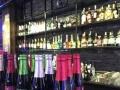 铺铺多》蓝色港湾酒吧60万转让(含证照)