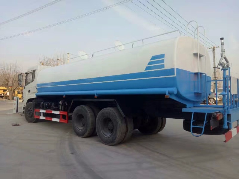 丽江生产销售多功能洒水车的厂家