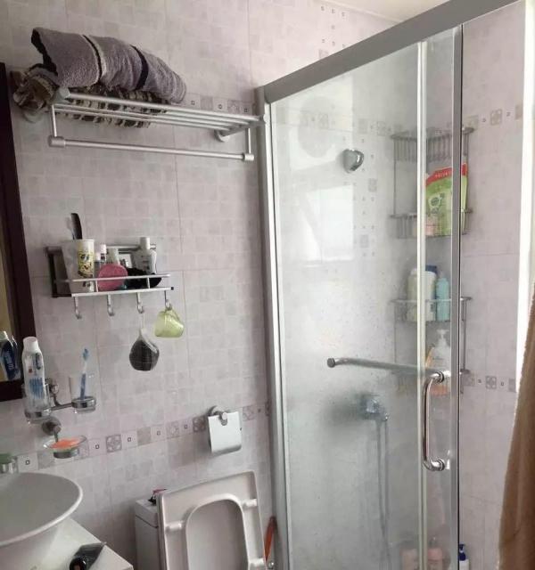 兴华广场两房精装出租 出行,生活方便