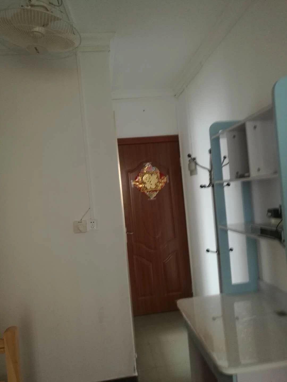 南油 中兴公寓 1室 0厅 30平米 整租中兴公寓