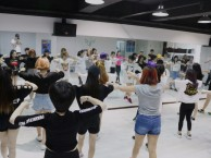 荣昌专业舞蹈培训爵士舞韩舞钢管舞等高薪职业培训包教会包分配
