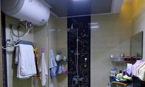 维也纳电梯房,两室一厅精装家电齐,停车方便,房价低,拎包入住