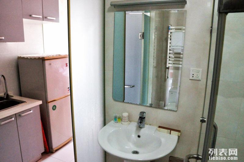 西安路美加华公寓一室一厅出租,水电网全包,出租灵活,非中介