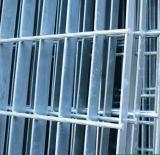 大量供应出售河北质量可靠的镀锌铁家用养殖电焊网,衡水电焊网