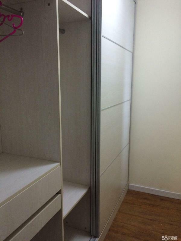 城阳 世茂公园美地 2室 2厅 90平米 整租