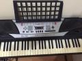 九五成新电子琴