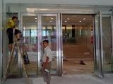 修窗户 修玻璃门 铝塑门窗 换纱窗 换玻璃 拉手 合页 滑轮