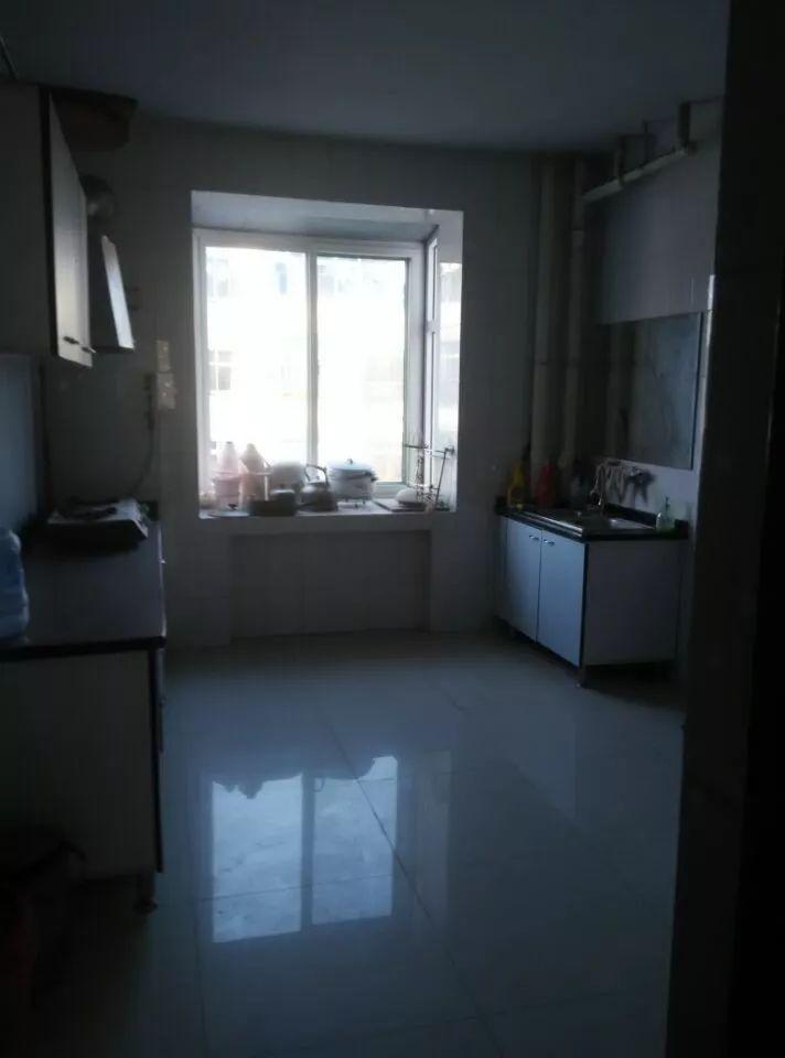 达活泉 育红院附近 3室 2厅 127平米 出售