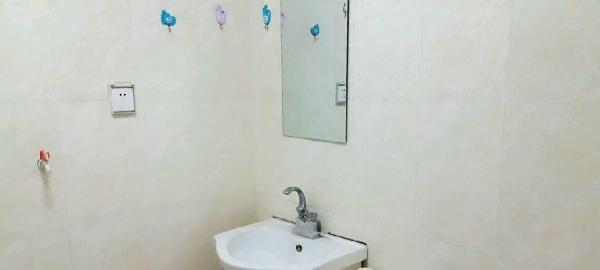 龙凤苑泽州一中学区房8号901室出租 2室1厅1卫
