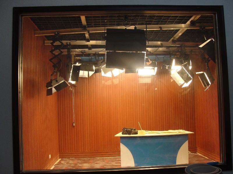 河南耀诺定做电视台播音桌 新闻桌厂家