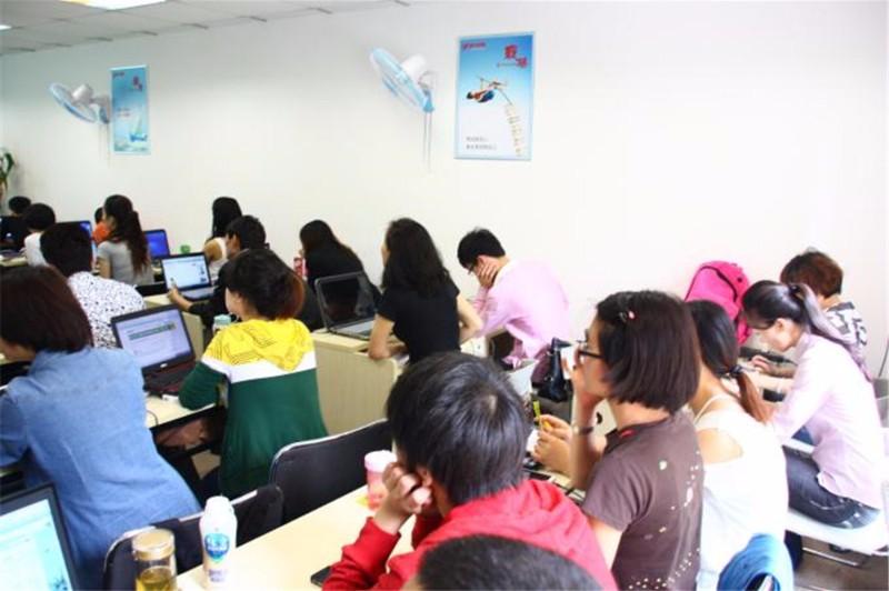 名师授课专业平面设计/服装设计/模具设计培训