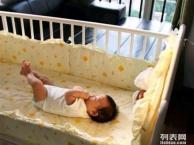 9成新黄色小鸭婴儿床转让