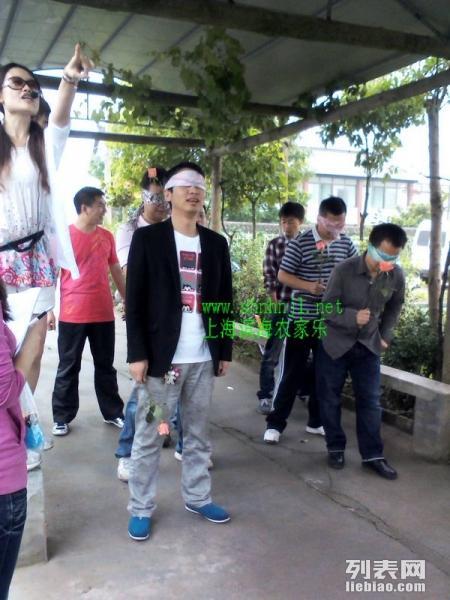 清明踏青 上海农家乐哪里好玩 草莓 赏花 划船烧烤 滴水湖
