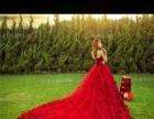 纯新红色拖尾婚纱,拖尾1.2米,系带的。