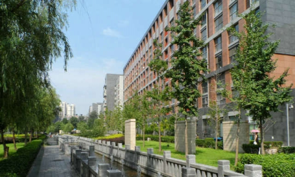 6号线青年路站 润枫水尚西向开间 新配置 装修好 俯瞰大悦城