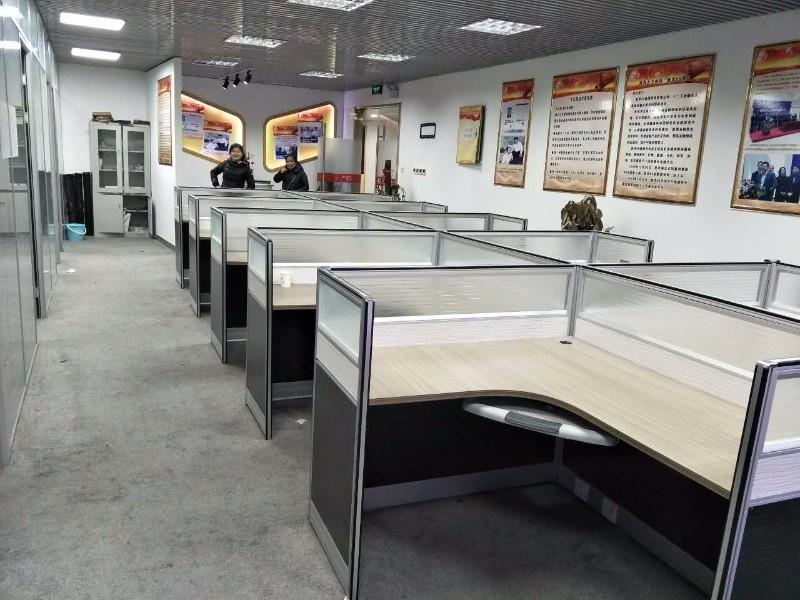 地铁口 甲级纯写315平 精装带家具 配套完善
