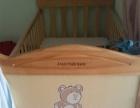 大小童使用的婴儿床