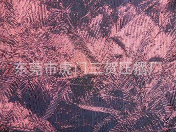 长期供应高质先进皮革压褶压花加工 设备齐全技术高超压花加工