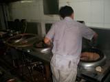 河源市專業清洗餐廳廚房設備大型抽油煙機煙罩管道