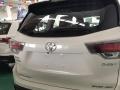 丰田 汉兰达 2015款 2.0T 自动 7座豪华版四驱小运损已