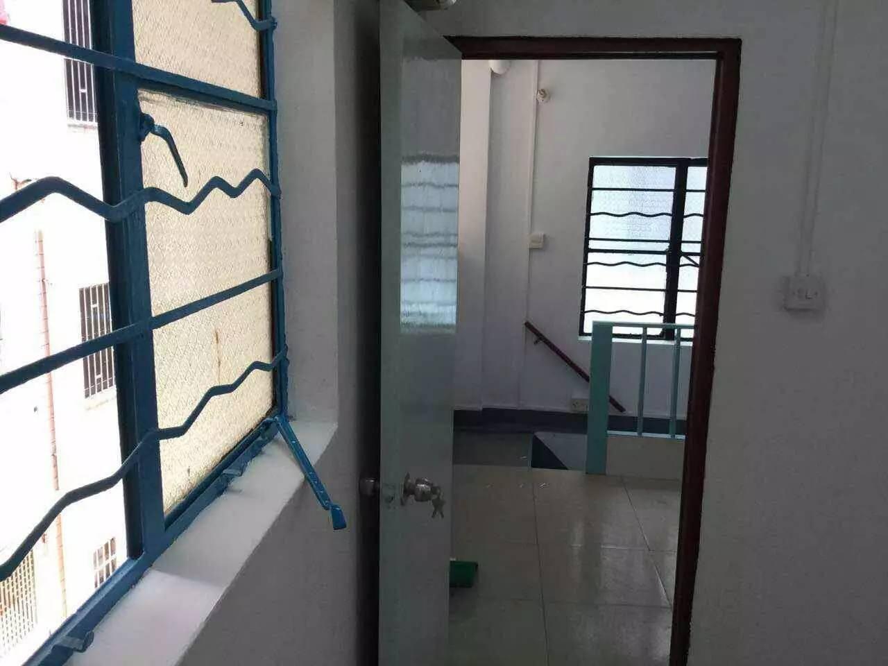 北京路 文德南路独栋私房 三层高 证38方 现售180万
