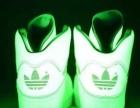 长期出售夜光鞋,有意者请联系。  电话~15607