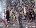六月活动暖场互动科技展瀑布秋千展雨中漫步创意商业展瀑布秋千