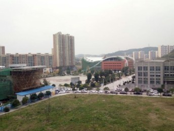 黔西縣國龍水岸小高層 3室 2廳 140平米 53萬出售
