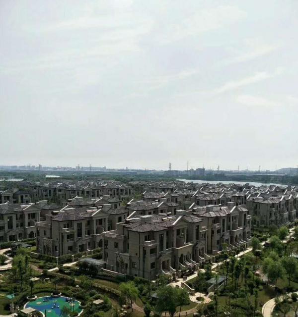 凤鸣湖公寓精装五室+楼层好+环境美+采光好+适合周边单位宿舍