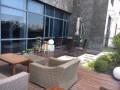 鄞州南部商务区140平精装带有独立阳台办公室!