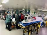 安阳病人出院救护车出租,患者坐高铁