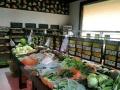 西七路世纪路南首 营业中的生鲜超市210平米